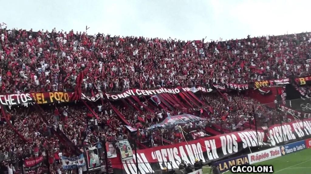 Hinchas de Colón no podrán ir a los estadios por un año
