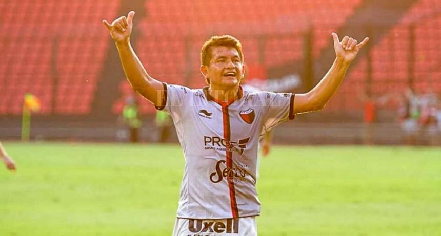 Con un show del Pulga Rodríguez, Colón se sacó de encima a Argentinos