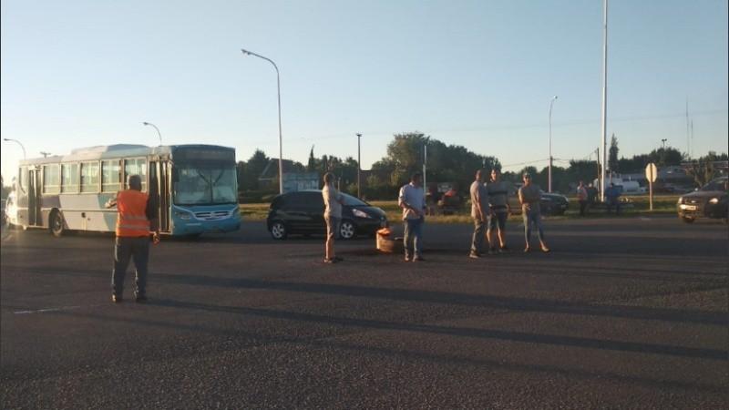 Transportistas autoconvocados mantienen una medida de fuerza con cortes de ruta