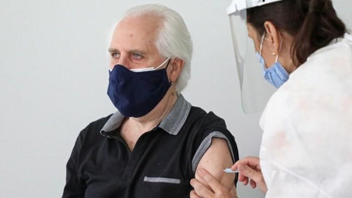 Continúa la vacunación contra el COVID19 para mayores de 60 años