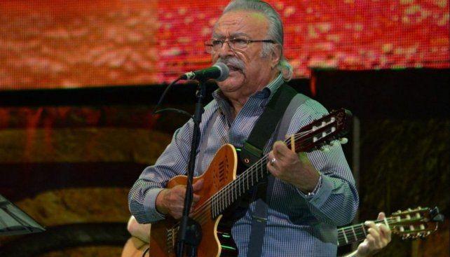 Falleció César Isella, compositor y cantante de folclore