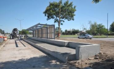 Metrofé: comenzó la construcción de las nuevas paradas para el transporte público