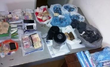 Secuestraron casi un kilo y medio de drogas en Alto Verde
