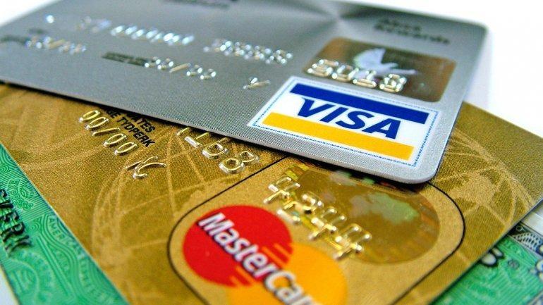 El Gobierno les pedirá a los bancos que ofrezcan 50 cuotas fijas