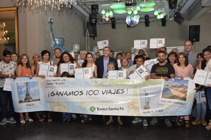 """EL BANCO SANTA FE ENTREGÓ LOS 100 VIAJES A LOS GANADORES DE LA PROMO """"EL VIAJE QUE SOÑÁS"""""""