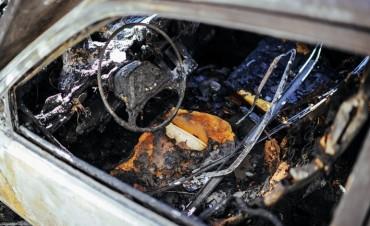Nuevo ataque de quemacoches en Santa Fe
