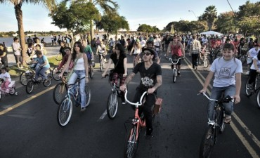 Piden ampliar la ciclovía y que reparen los baches