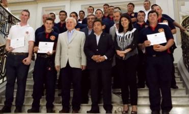 Reconocieron a los 20 brigadistas santafesinos que colaboraron en los incendios forestales en Chile