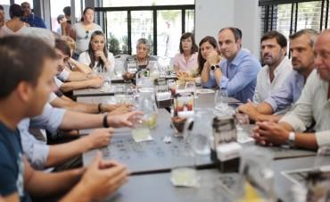 """""""El cantero de Boulevard Gálvez será de uso exclusivo para los peatones"""", dijo Corral"""