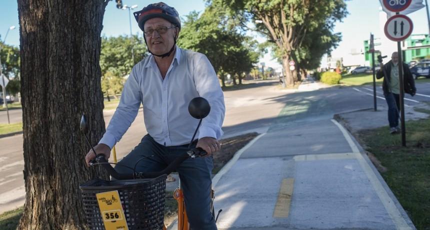 Con un nuevo tramo en avenida Alem, el Municipio amplió la red de bicisendas y ciclovías
