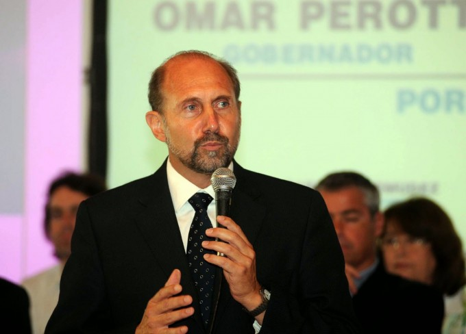 Fondos Buitre: Omar Perotti cree que la deuda