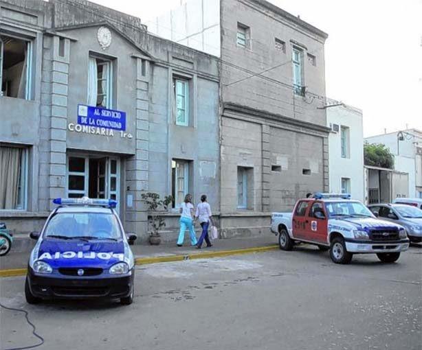 Acusan por actos de corrupción a cinco policías de Esperanza