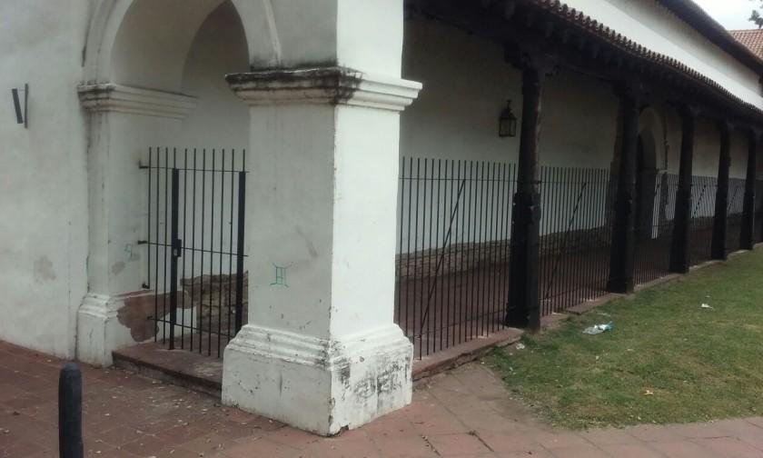 En el convento San Francisco enrejaron la galería para evitar actos de vandalismo