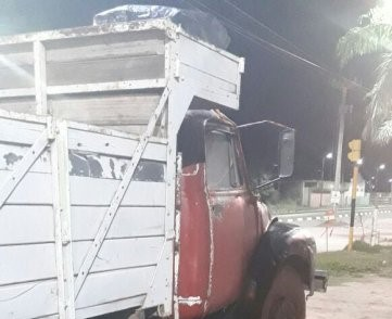 Apresaron a un hombre que quemó un camión cargado con ladrillos