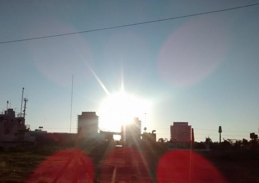 Comienzo de semana con calor en la ciudad