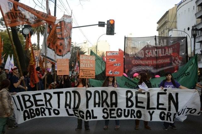 Absolvieron a la joven que había sido acusada de abortar en el baño de un hospital en Tucumán
