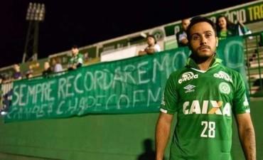 Chapecoense despidió al argentino que se salvó de la tragedia