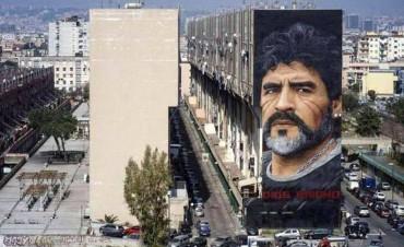 Nápoles le rindió un homenaje a Maradona con un mural increíble