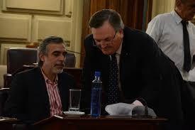 El Senador Miguel González: