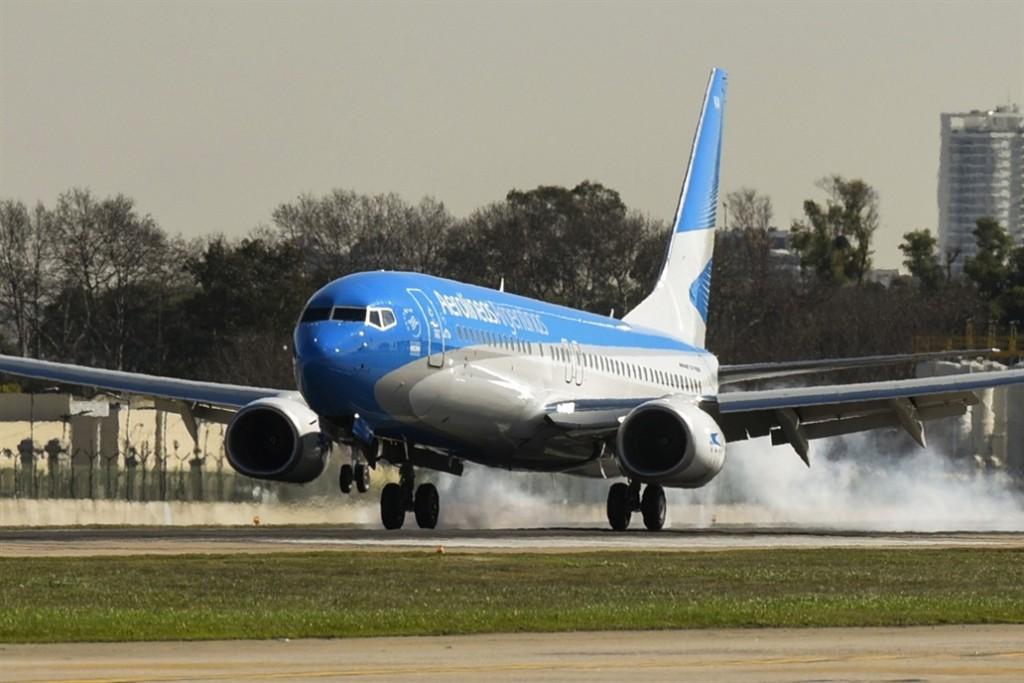 Aerolíneas Argentinas suspendió la venta de pasajes hasta el domingo