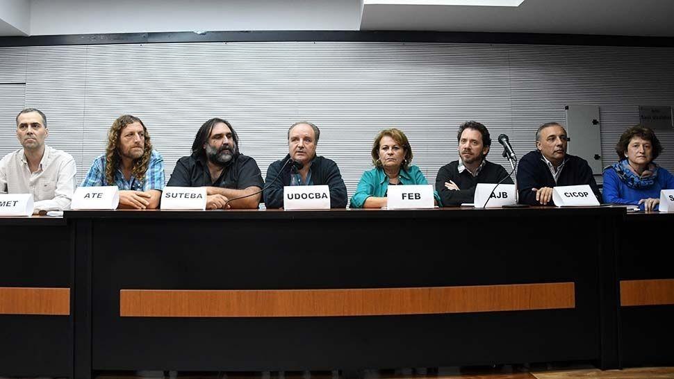 Estatales bonaerenses paran contra Vidal