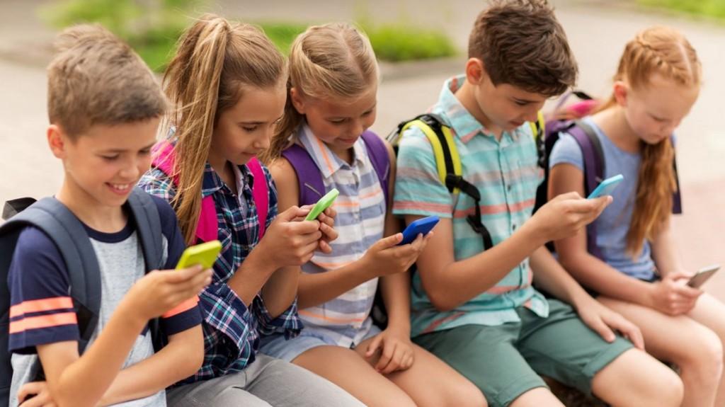 Google lanzó Family Link en Argentina, una app para administrar el uso del celular de los hijos