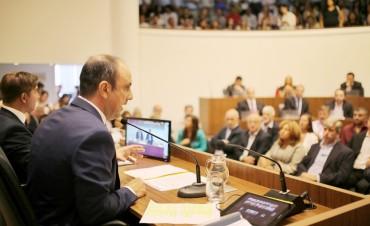 José Corral abrió el período de sesiones del Concejo
