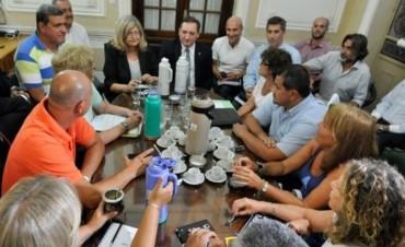 A la mesa otra vez: la Provincia volvió a convocar a estatales y docentes