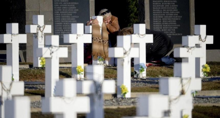 Los restos de los héroes de Malvinas seguirán en las islas