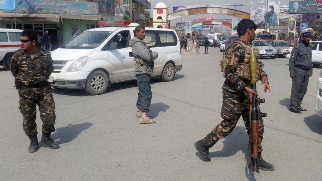 Ataques contra puestos de control en Afganistán dejan 17 muertos