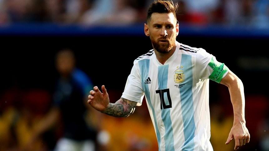 Lionel Messi, sólo ante Venezuela