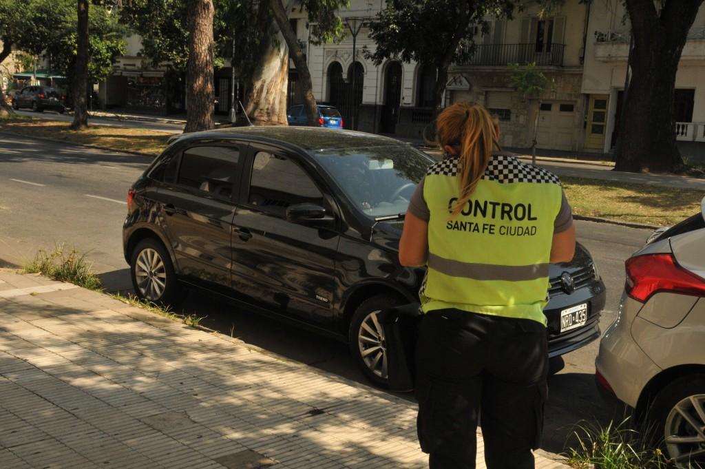 Iniciarán un sumario administrativo a una agente de tránsito