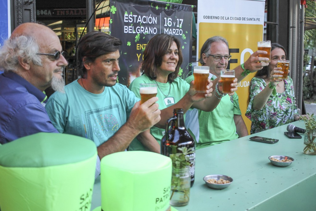 La Estación Belgrano se tiñe de verde para celebrar San Patricio en Santa Fe