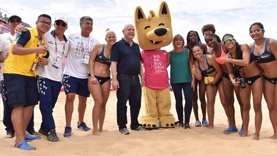 Lifschitz visitó los Juegos Suramericanos de Playa Rosario 2019