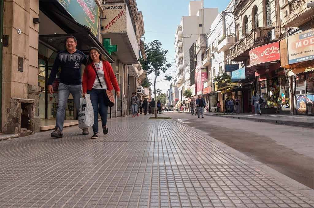 Habilitan el tránsito de calle Mendoza, entre San Jerónimo y 25 de Mayo