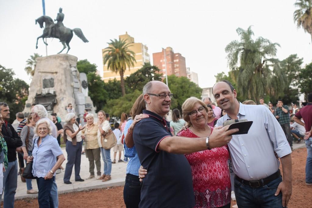 Corral inauguró las obras de puesta en valor de la Plaza San Martín