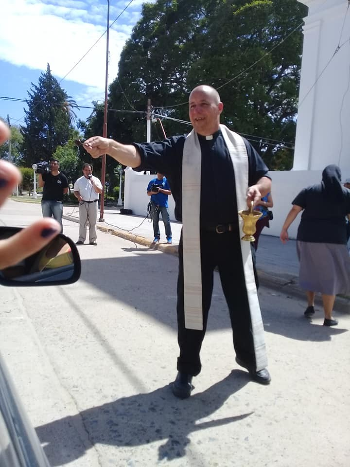 San Javier, párroco pidió ayuda económica por redes sociales.