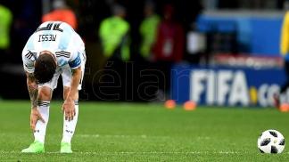 Messi no seguirá la gira por una molestia física