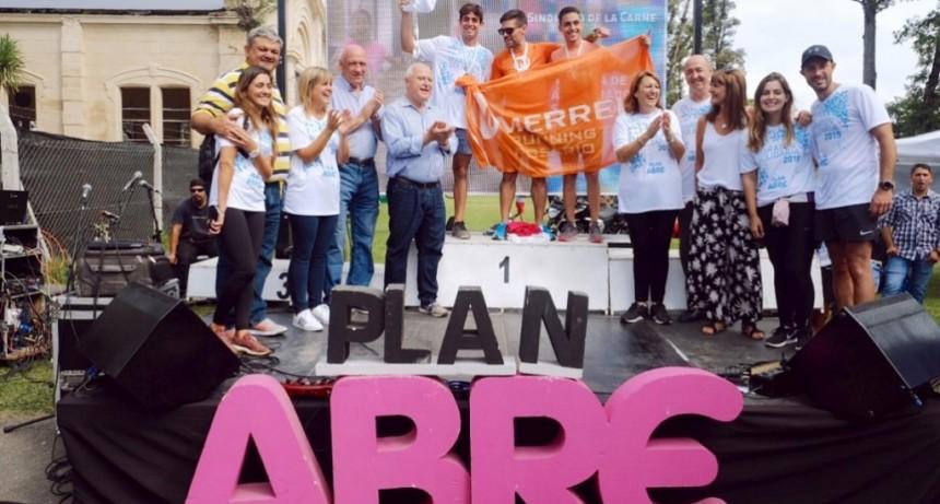 Lifschitz participó de la entrega de premios de la Maratón Solidaria 2019