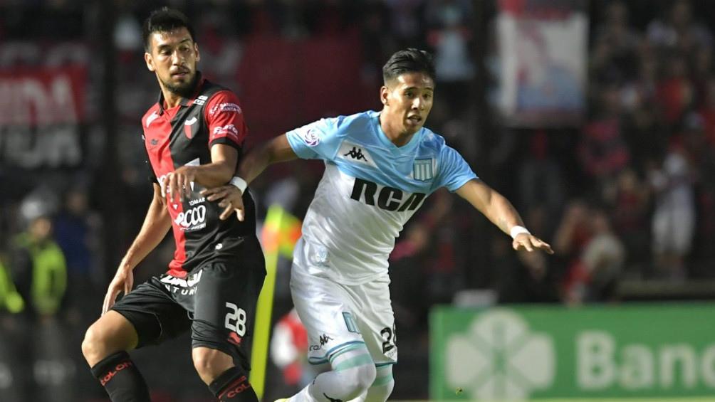 Colón no pudo sostener la ventaja a favor y rescató un empate frente al puntero Racing