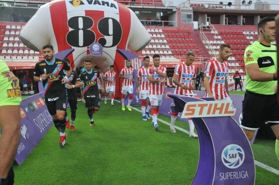 Unión empató en el debut de la Copa Superliga