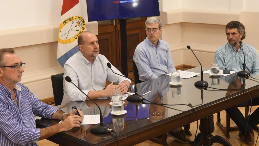 """Perotti: """"El gobierno en su conjunto está detrás de un esfuerzo común: cuidar la vida de los santafesinos"""""""