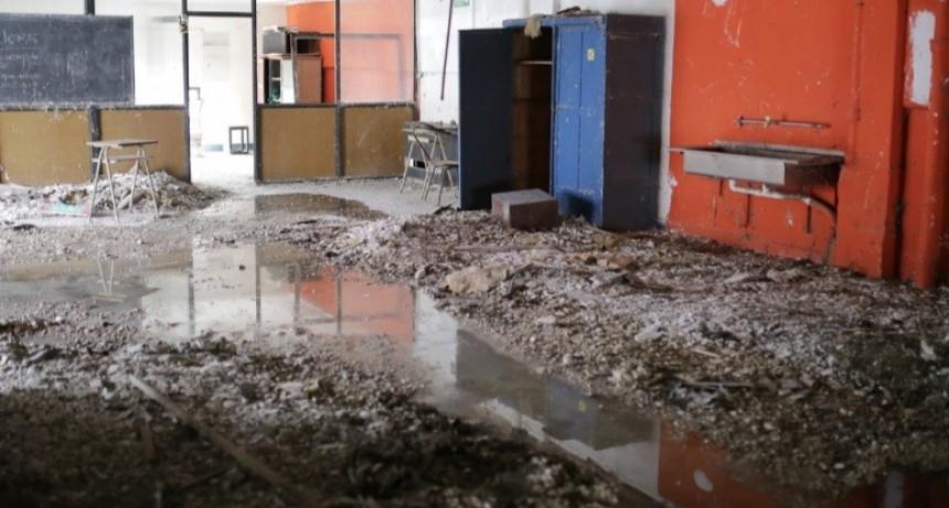 Comenzó la limpieza y recuperación del edificio del ex Liceo Municipal