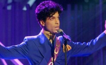 Los últimos días de Prince: conciertos pospuestos, un aterrizaje de emergencia y un piano púrpura