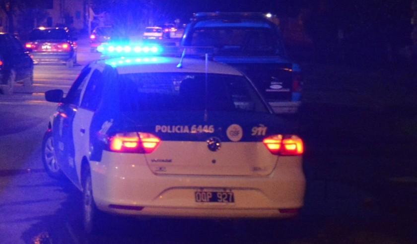 Incautaron cocaína, armas y dinero en barrio La Tablada