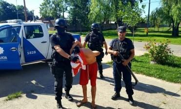 Detenidos y secuestro de armas de fuego tras allanamientos en Santa Rosa y Villa Oculta