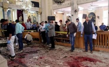 El Isis se atribuyó los dos atentados contra las iglesias cristianas en Egipto