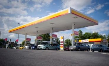 YPF quiere comprar la red de estaciones de Shell en el país