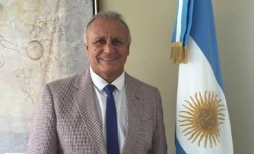 Del Sel deja la embajada pero sigue en Cambiemos