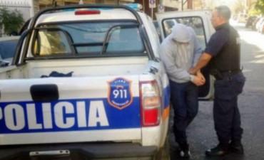 Violaron y ahogaron a una beba dentro de un balde de agua en Lomas de Zamora